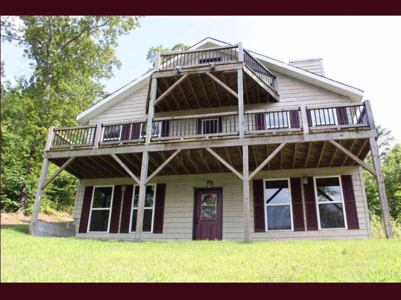 Beautiful Cottage in Leesburg, AL with private dock and boat launch. DEEP WATER, alquiler vacacional en Centre