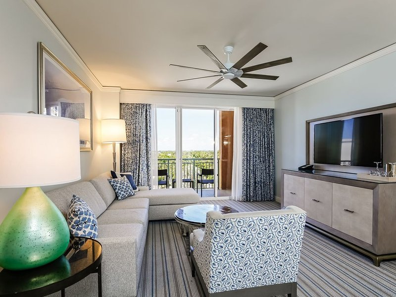 Ritz-Carlton Key Biscayne 5 Star Oceanfront Resort One Bedroom Suite, casa vacanza a Key Biscayne