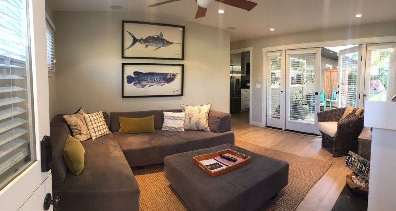 Newly Remodled Designer Property- walk to S.C. Pier & Downtown Shops/Restaurants, vacation rental in San Onofre