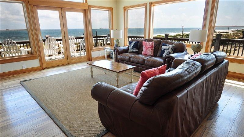 Living room - LOOK at that ocean!