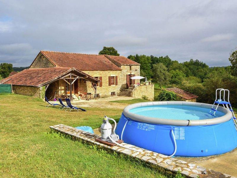 Heavenly holiday home with swimming pool and garden near Villefranche-du-Périgo, alquiler vacacional en Villefranche-du-Perigord