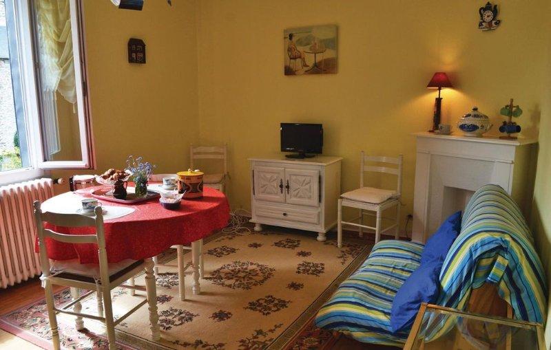 1 Zimmer Unterkunft in Vildé-la-Marine, Hirel, vacation rental in Saint-Benoit-des-Ondes
