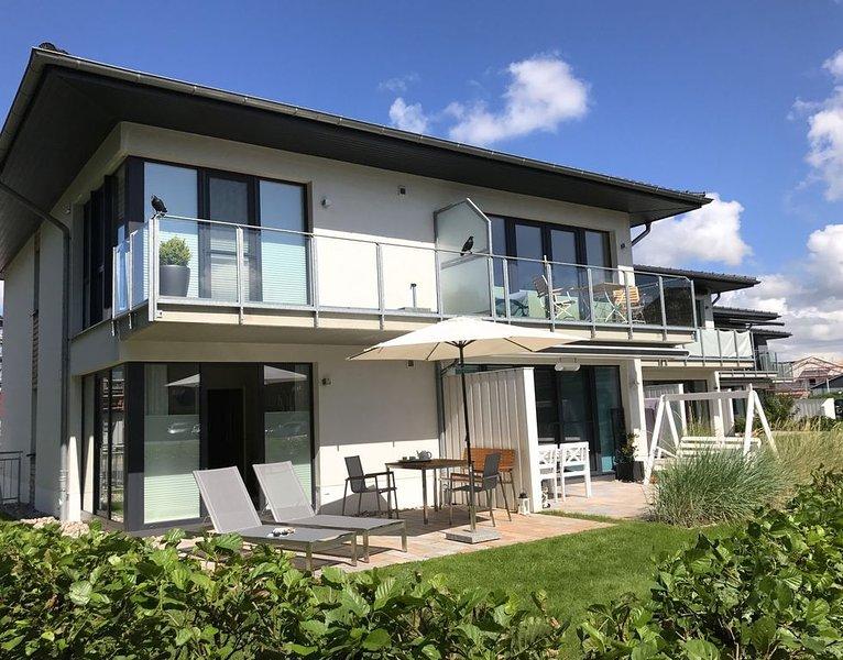 Beach Home - traumhafte moderne 4-Sterne Ferienwohnung für 2, Ortsteil Dorf, vacation rental in Sankt Peter-Ording