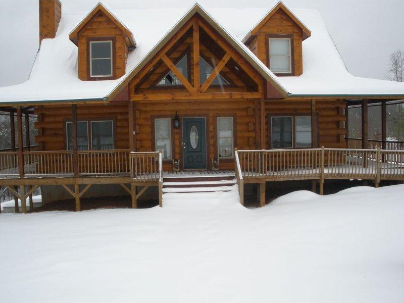 Blue Range Ridge Resort - Your Snowy Escape, Ferienwohnung in Morganton