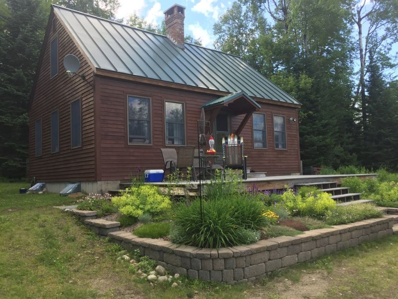 East Burke Cozy Cape Near biking trails and skiing, VAST trails, vacation rental in Glover