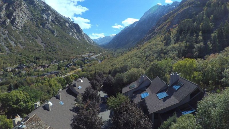 drone picture of condos looking up Little Cottonwood canyon