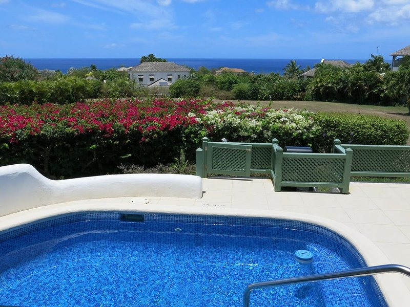 Seascape at Sugar Hill - 4 Bedrooms, Private Plunge Pool & Stunning Sea Views, location de vacances à Saint-James