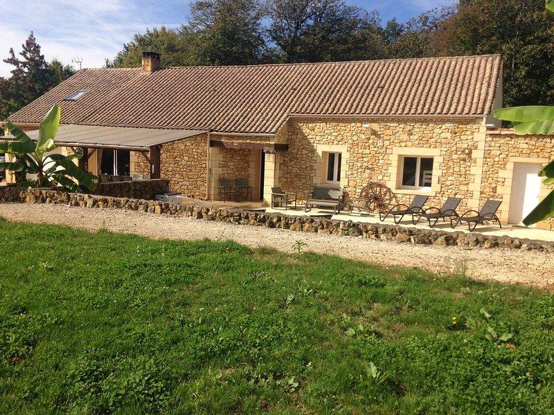 Magnifique maison en pierre  avec piscine chauffée, location de vacances à Mauzac-et-Grand-Castang