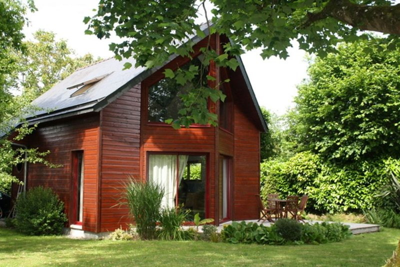 Charmante maison en bois, vacation rental in Plouay