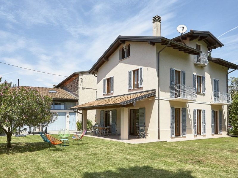 Belle villa sur le lac Majeur, holiday rental in Cellina