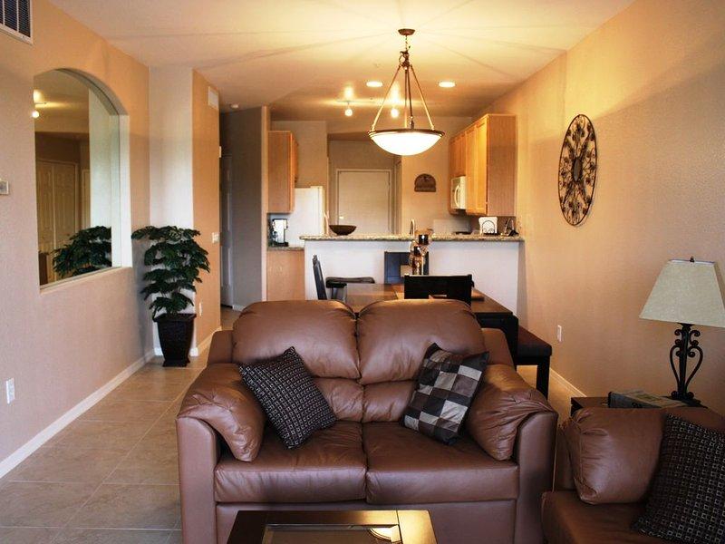 Superstition Golf Course- 2 Bedroom Luxury Condo, alquiler de vacaciones en Mesa