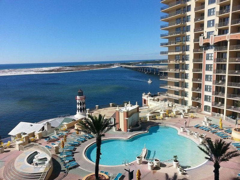 Emerald Grande 603��3BR/2BA�Pool And Destin Harbor Views���Very Low Rates, holiday rental in Niceville