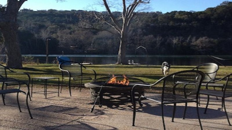 FALL SPECIAL! Lake Austin, WATERFRONT, Dog Friendly Home, Ferienwohnung in Austin