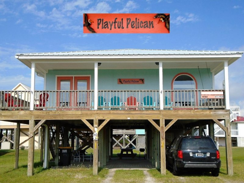 Playful Pelican - 2 BR / 2BA, Pet Friendly, Uncrowded White Sand Beaches, alquiler de vacaciones en Fort Morgan