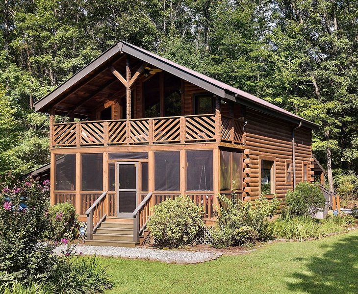 Luxurious Mountain Cabin in Monteagle Near Sewanee with Private Pond, location de vacances à Altamont