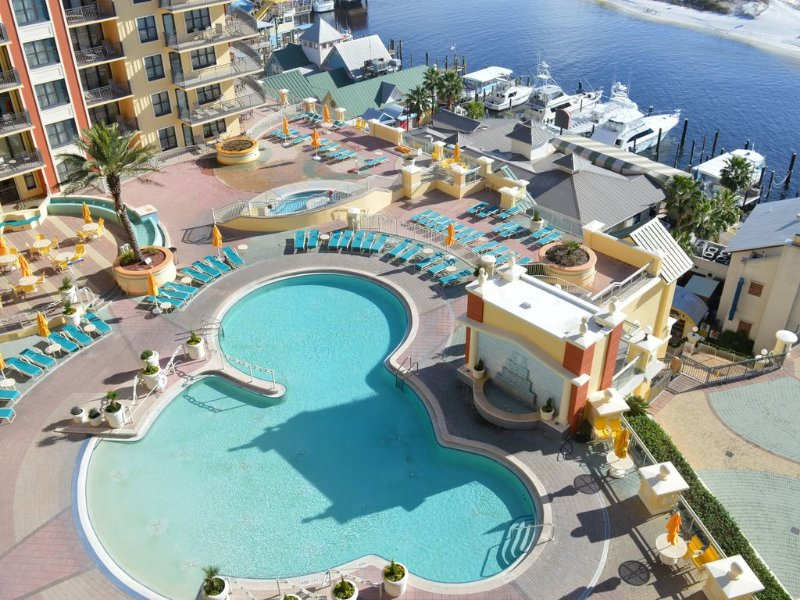Emerald Grande� �� Watch Our Video From the Balcony� NEW Furniture⚓Curved TV, holiday rental in Niceville