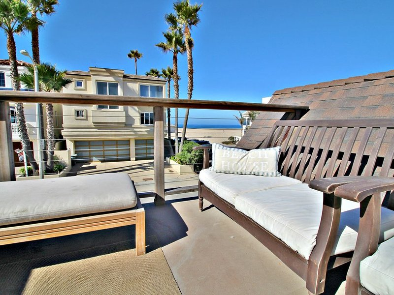 Amazing Cottage Steps from the Beach ~ Hollywood Beach Inboard, holiday rental in Port Hueneme