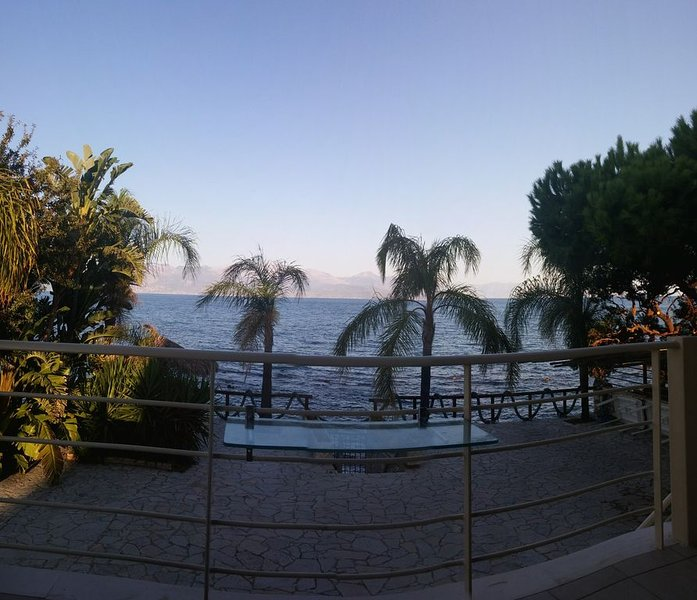 panoramic front sea view