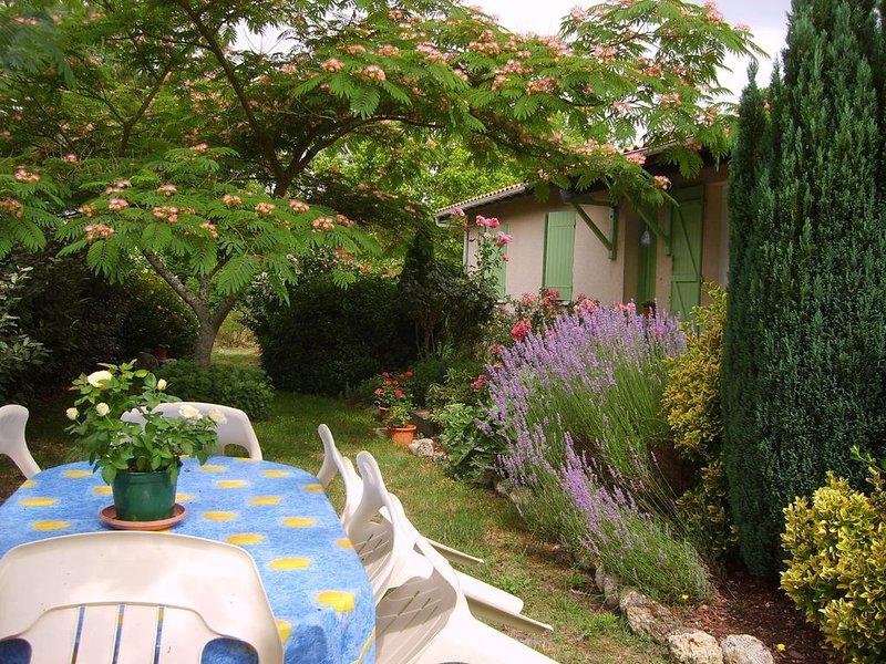 proche des plages, au calme, maison chaleureuse, confortable, vaste jardin clos, alquiler de vacaciones en Gironde