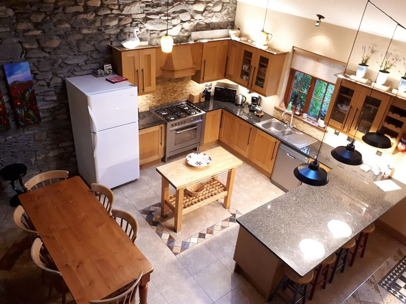 Cucina in Teach Mor Cottage - The Priory Killarney Courtyard Cottages