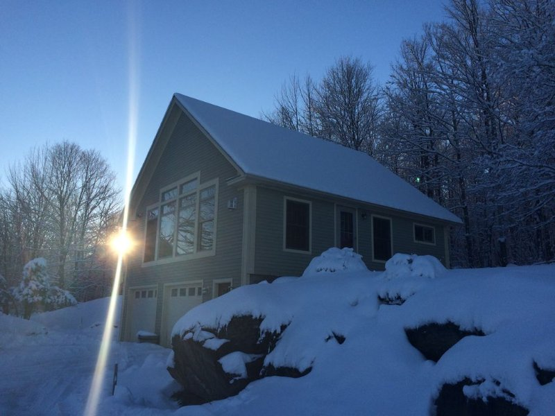 Autumn +  Winter in Vermont: A peaceful setting i, holiday rental in Waterville
