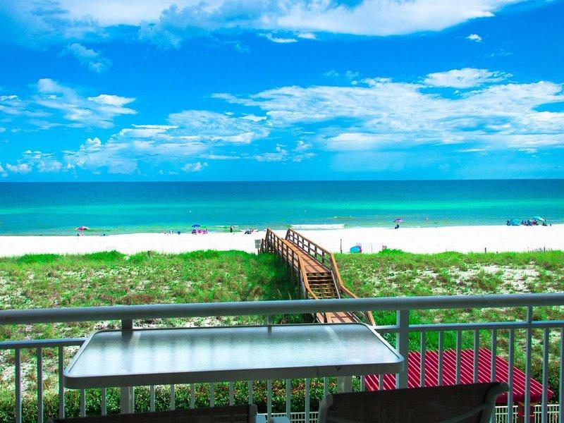 Gulf Front, Sleeps 12, 4 bed 4 bath, 2 full kitchens, Pool, Hot Tub, Pool Table, alquiler de vacaciones en Navarre