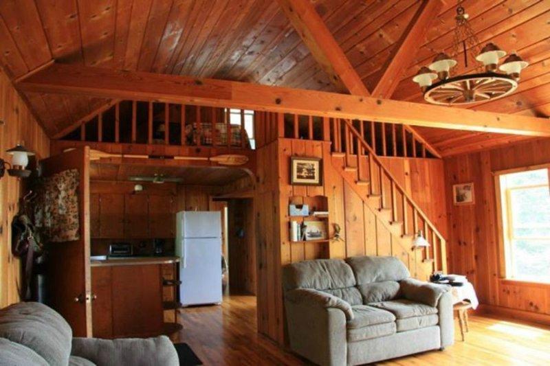 STONINGTON CLEARVIEW COTTAGE:  Private Lake Michigan cottage!, location de vacances à Gladstone