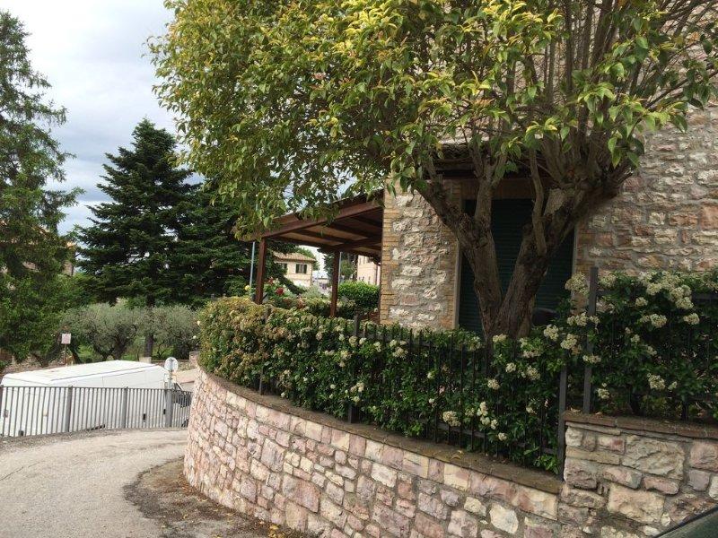 Casa Elena... relax, arte, cultura, vacation rental in Assisi
