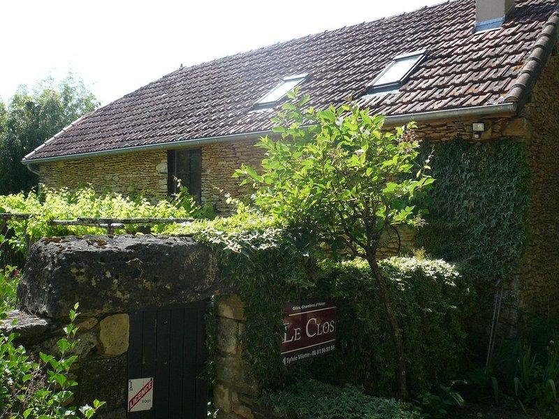 Le Clos. La grange .Périgord noir. 4 à 7 personnes, holiday rental in La Cassagne