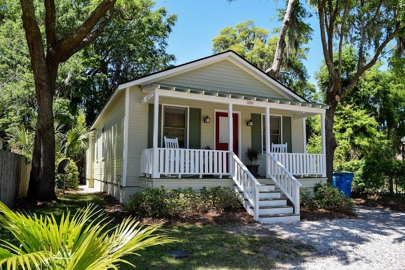 Historic Beaufort Cottage, vacation rental in Lady's Island