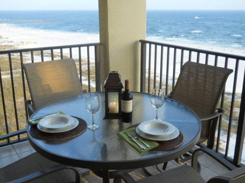 Beautiful Orange Beach Condo with Fabulous Gulf-Front Views!, alquiler de vacaciones en Orange Beach