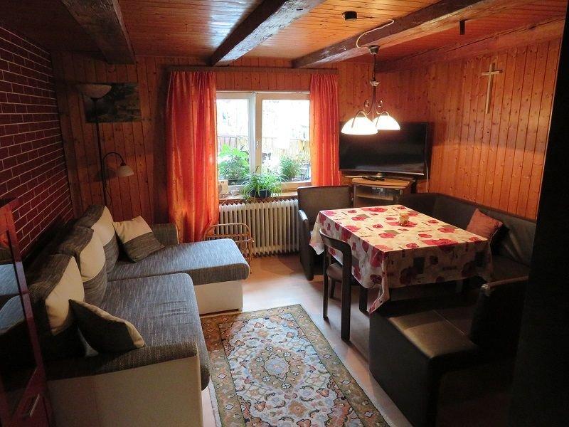 Ferienwohnung 2 mit 70qm, 2 Schlafzimmer, für maximal 6 Personen, aluguéis de temporada em St. Georgen im Schwarzwald
