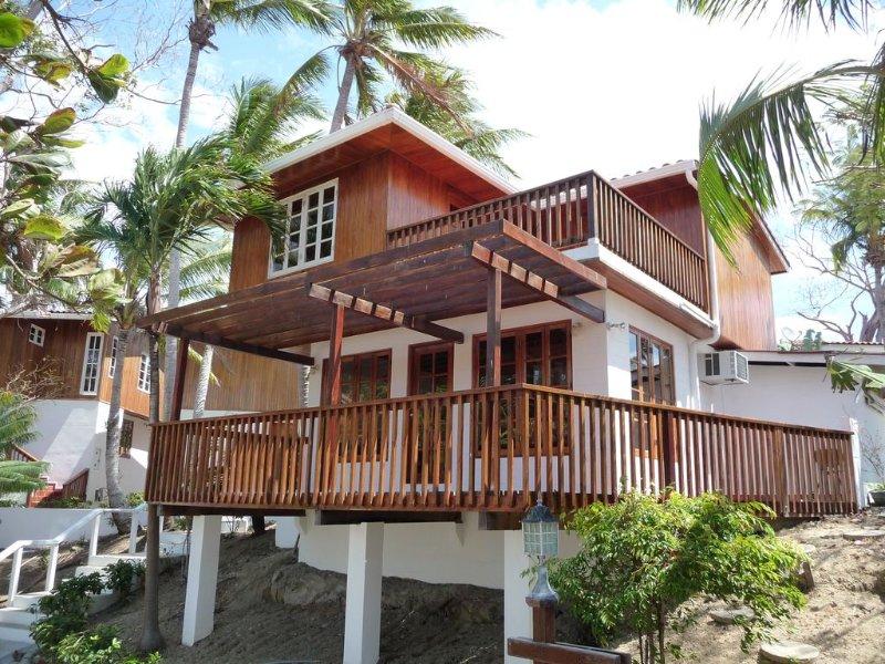 Oceanfront Villa on Contadora - Internet, Satellite and a Safe, alquiler de vacaciones en Provincia de Panamá
