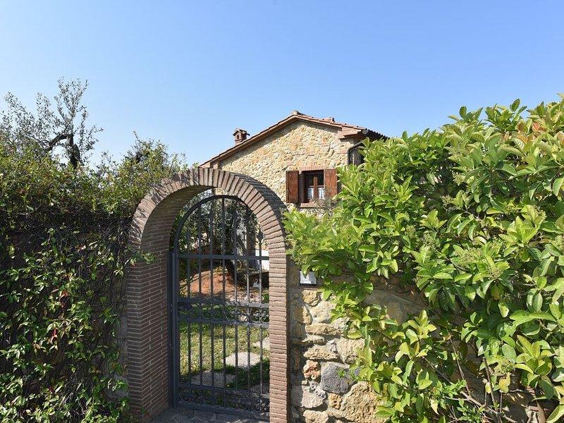 Romantisches Steinhaus 2.-4 Personen mit gr. Terrasse,Wifi, Hundeliebhaber, BBQ, holiday rental in Montescudaio