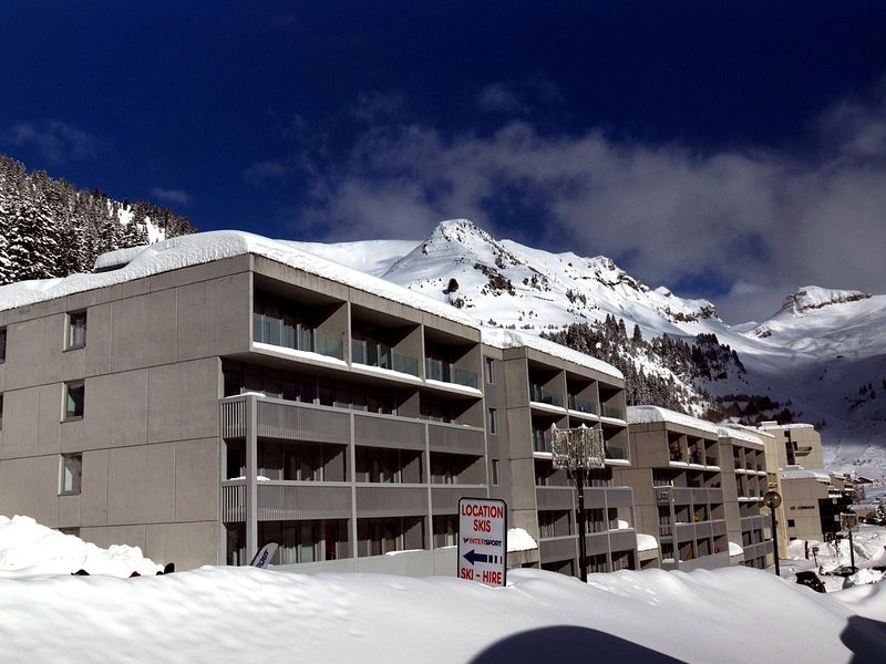 Apartment 3 rooms comfort for 6/7 people, close to shops and ski slopes, casa vacanza a Araches-la-Frasse