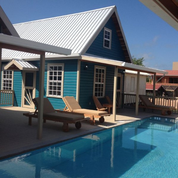 Reef Cottage With A Pool, holiday rental in Caye Caulker