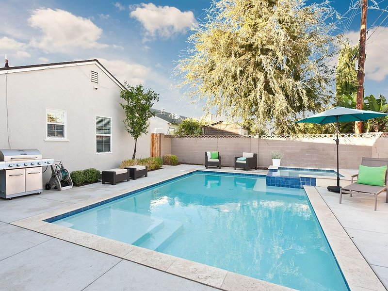 SPECIAL RATE!! HEATED POOL & GAME ROOM! Close to DISNEY and Convention Center!, casa vacanza a Westminster