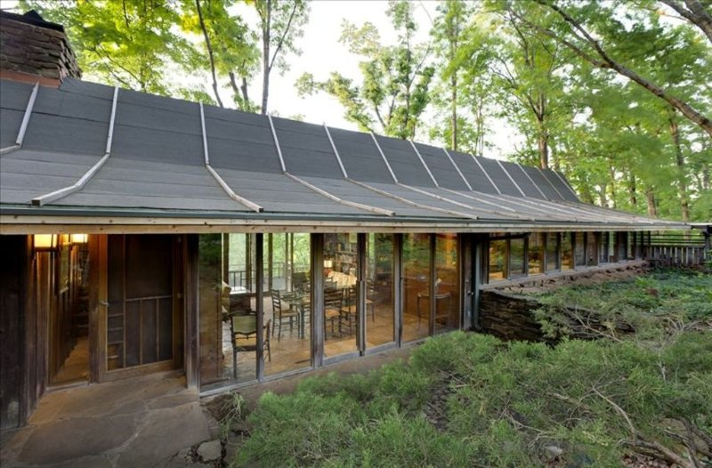 Deepwood House-Architectural Masterpiece in Woods Minutes from U of A Campus, vakantiewoning in Fayetteville