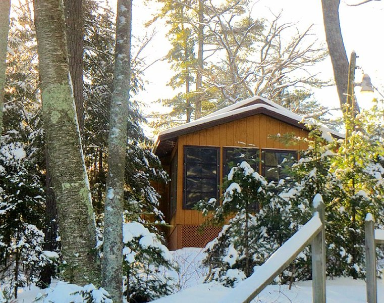 Your winter escape is waiting for you... Don't miss it !, casa vacanza a Boulder Junction