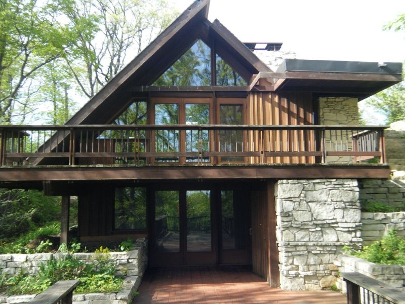 St. Croix River Escape (Frank Lloyd Wright Inspired), holiday rental in Willernie