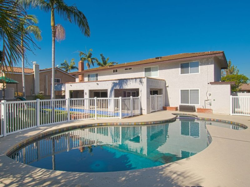 Funtierland + Pirate's Lair + Close to Disney + Pool + Game Room + Backyard, casa vacanza a Buena Park