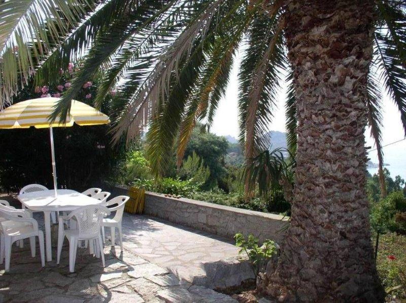 Sant Andrea: Casa con giardino, location de vacances à Île d'Elbe