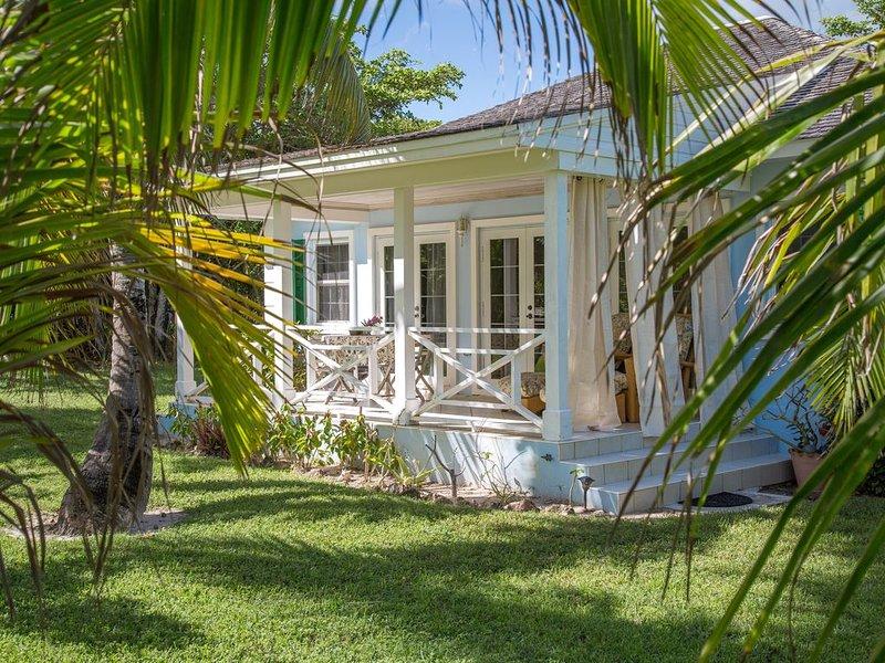 Casa de piedra de toque ubicado en las palmas de coco.