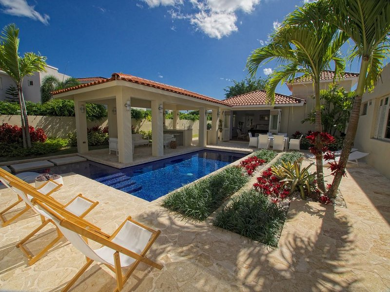 Perfect house for relaxing and enjoying the Caribbean lifestyle!, vacation rental in Dorado