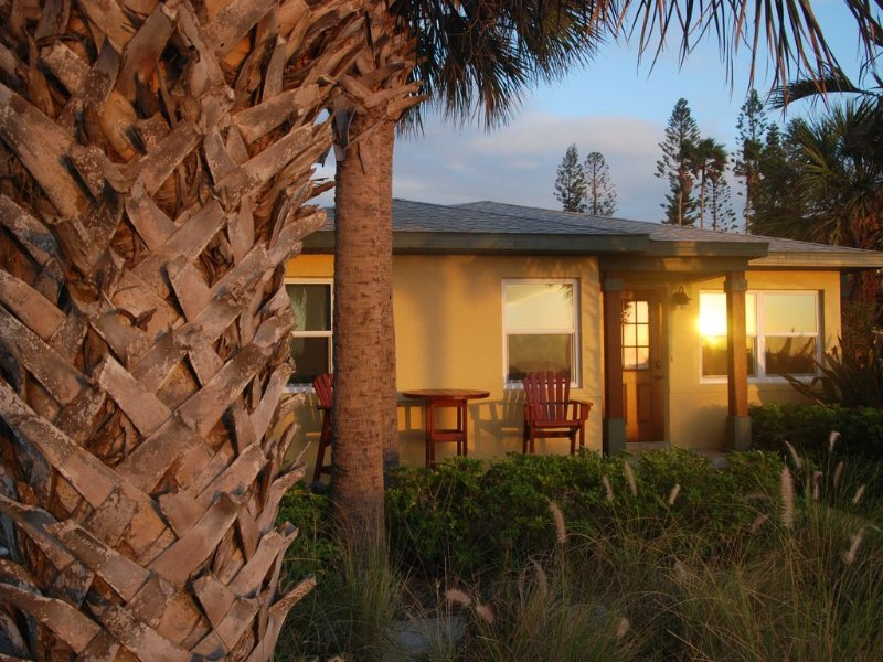 Pass-a-Grille Gulf Front House - 2 Br sleeps 6, holiday rental in St. Pete Beach