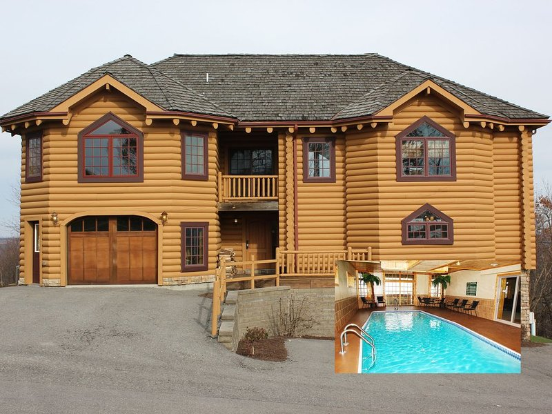 Majestic 8 BR Log Chateau-Ski Access-Indoor Pool/Sauna/Hot Tub-Theater-Boat Slip, holiday rental in McHenry