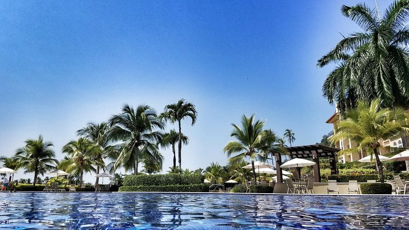 Luxury 3 BR. Condo Inside Los Sueños Resort, Ferienwohnung in Herradura