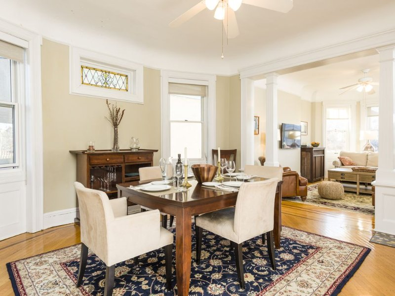 Best Street in Hoboken!  Immaculate 2BR w/Terrace & NYC view, holiday rental in Hoboken