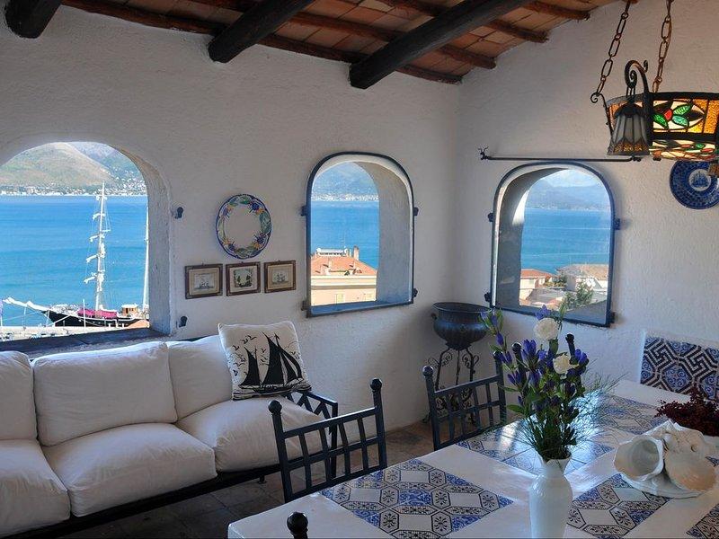 Villa Aragonese - Sea view from Angioino's Castel, aluguéis de temporada em Gaeta