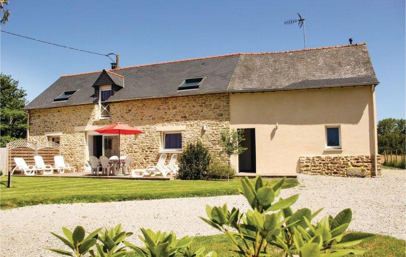 3 bedroom accommodation in Dourdain, holiday rental in Liffre